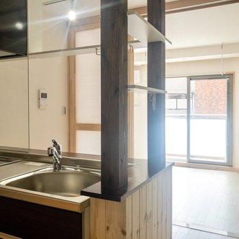 【DK】カウンター越しにおしゃべりしながらお料理したいな。※写真は3階の同間取り別部屋のものです