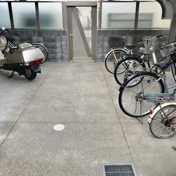 駐輪場はオートロック内に。愛車もしっかり守られます