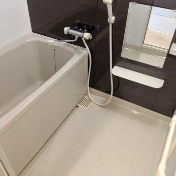 お風呂イイ!これはリラックスできそう〜。サーモ水栓◎