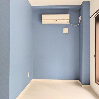 このくぼみスペースにベッド置いたらちょうど良さそうだ!