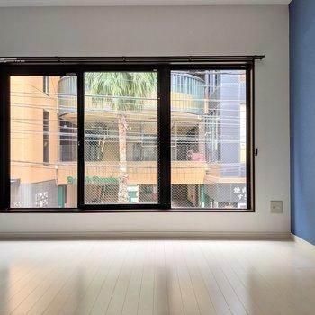 引違い窓+FIX窓の組み合わせ。