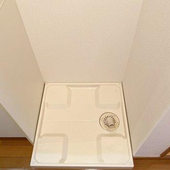 洗濯機置き場はキッチンと浴室の間に