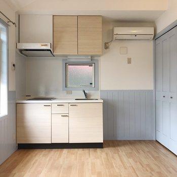 右側には冷蔵庫を置けますよ◯