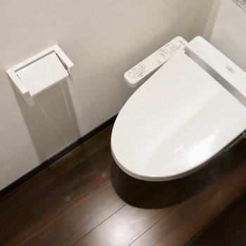 落ち着く独立トイレ(※写真は1階の反転間取り別部屋のものです)