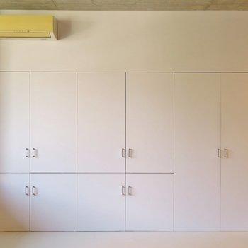 こちらは一面収納!※写真は2階同間取り・別部屋のものです。