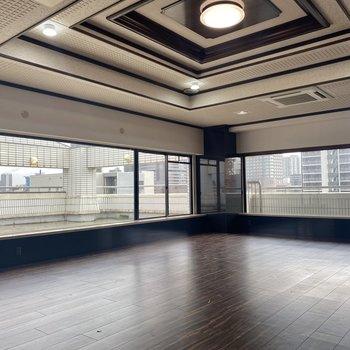 【LD】よく見ると天井のデザインが格好いい!