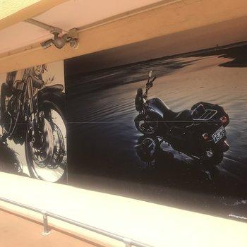 外壁にもバイク!愛が溢れてます
