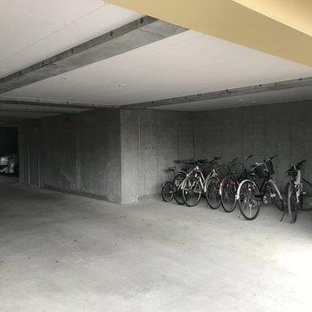 自転車置き場もあるです!