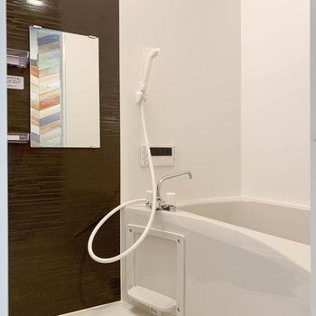 浴室乾燥や涼風、暖房、追い炊きの付いたお風呂です。