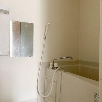 浴室乾燥付きのお風呂です。