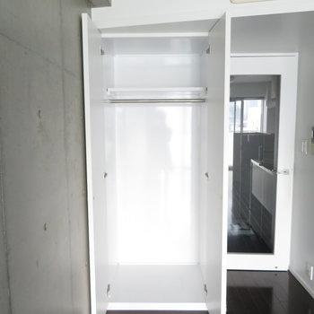 こちらの収納は少し小さめ。※写真は7階の同間取り別部屋のものです