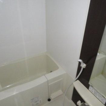 茶色のパネルがいい感じ。※写真は7階の同間取り別部屋のものです