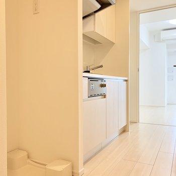 冷蔵庫はキッチン奥に置けます
