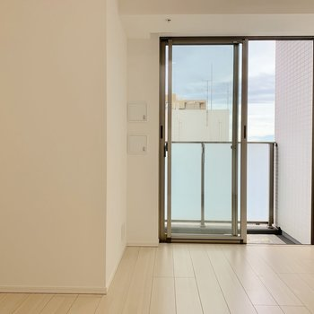 お部屋の形は特徴的なので家具の位置に悩みそう