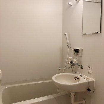 浴室乾燥できますよ〜。※写真は前回募集時のものです