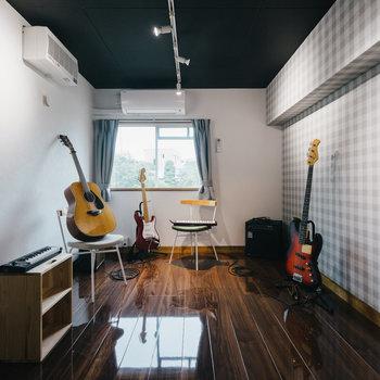 【防音室】まるで音楽スタジオ!※写真は1階反転間取り別部屋のものです