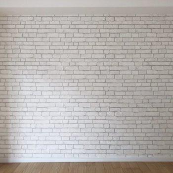 レンガ調の壁紙も素敵です。
