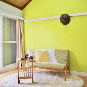 アクセントクロスとマッチした色の家具を置きたいな。※写真は前回募集時のものです