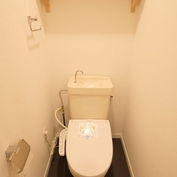 【イメージ】既存のトイレに新しいウォシュレットを付けます!