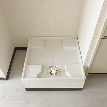 キッチンスペース横に洗濯機も置くのでリビングスペースがより広く感じました。