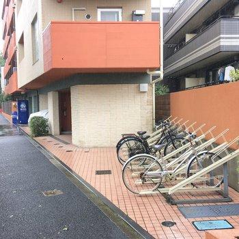 駐輪場もありますね。