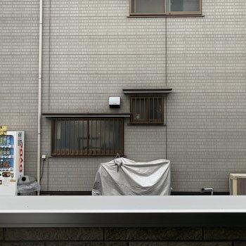 周りは静かなので、窓を開けても音などは気になりません。