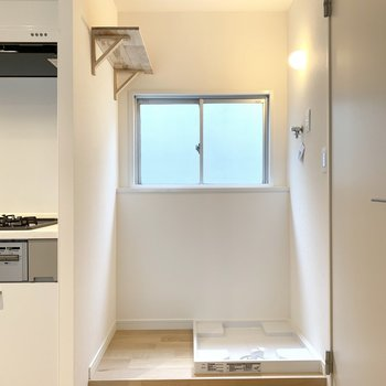 洗濯機置き場もご用意!カーテンで隠せる仕様!