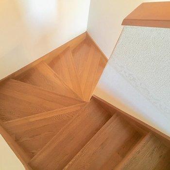 そして割りと急な階段!きをつけてくださいね。