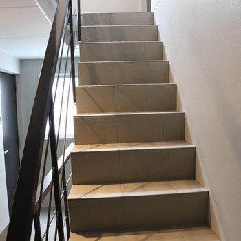 この階段で3階まで