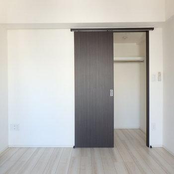 黒と白でモダンですね ※写真は10階の同間取り別部屋のものです