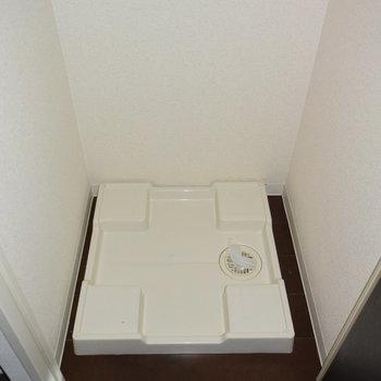 洗濯機置き場はもちろん室内に。(※写真は4階の同間取り別部屋のものです)
