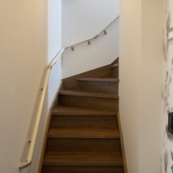 お部屋の階段......いや、共用階段なのです!