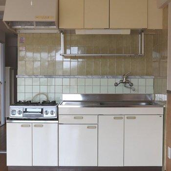 【DK】後ろのタイルが可愛いキッチン