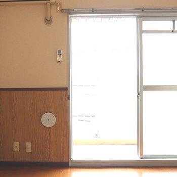 【DK】大きな窓から日当たりは良好