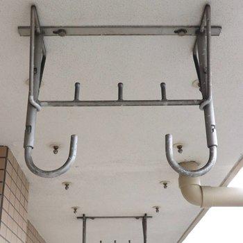 洗濯干し用フックは天井から