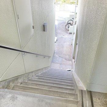 お部屋までは階段です。そんなに苦ではなかったですよ。