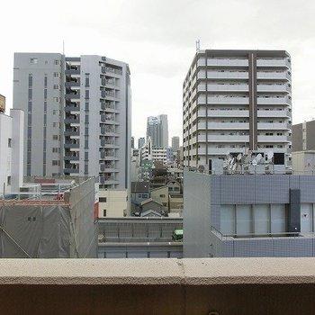 眺めはこんな感じです。(※写真は7階の別部屋からのものです)