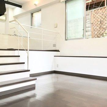 案外階段がお気に入りの場所になったり。