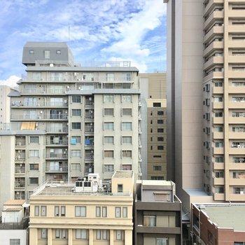 眺望は堀江のマンション街。