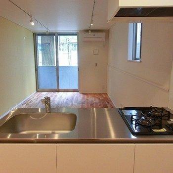 2口コンロの機能的キッチン※写真は前回募集時のものです