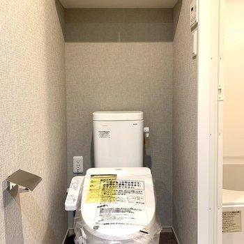 棚には予備のトイレットペーパーを置けますね