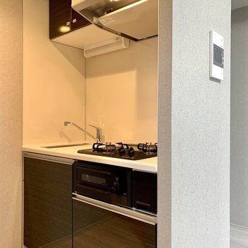 キッチンは奥まった場所にあります