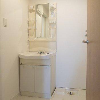 ゆったりとした洗面所