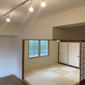 白の天井に白の壁、クリーンで良い!