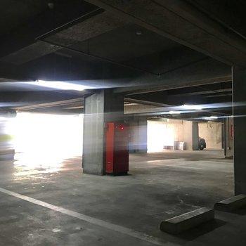 駐車場へ繋がっていました!