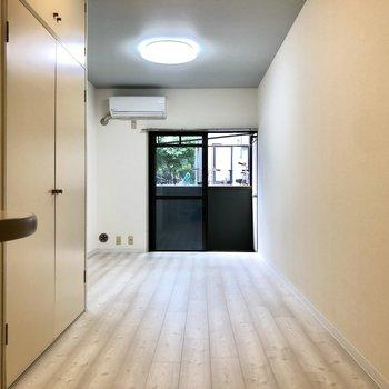 居室は縦に長いです。