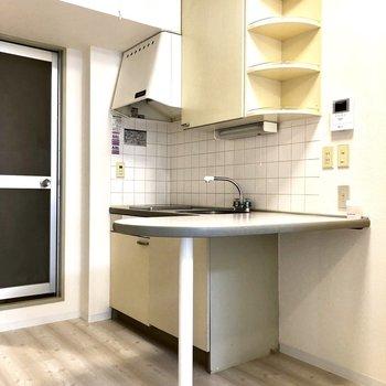 キッチン周りの収納も充実しています。