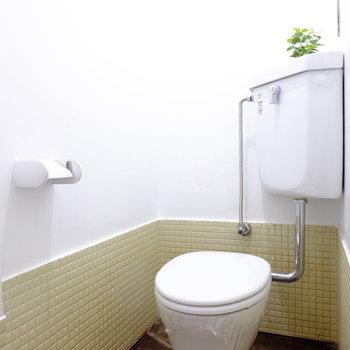 トイレのレトロさもたまらんなぁ