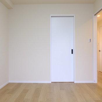 正面に見える扉は…?※イメージ