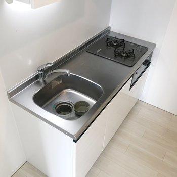 【DK】キッチンはちょうどいいサイズ。※写真はクリーニング前のものです